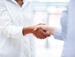 women_handshake